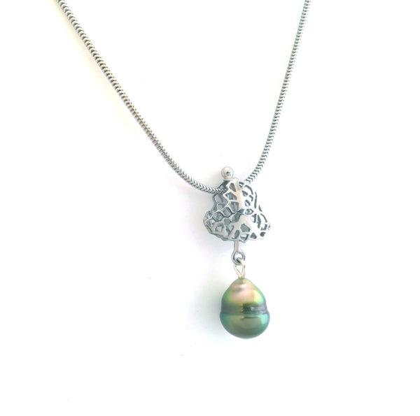 Pendentif Corail + perle + chaîne